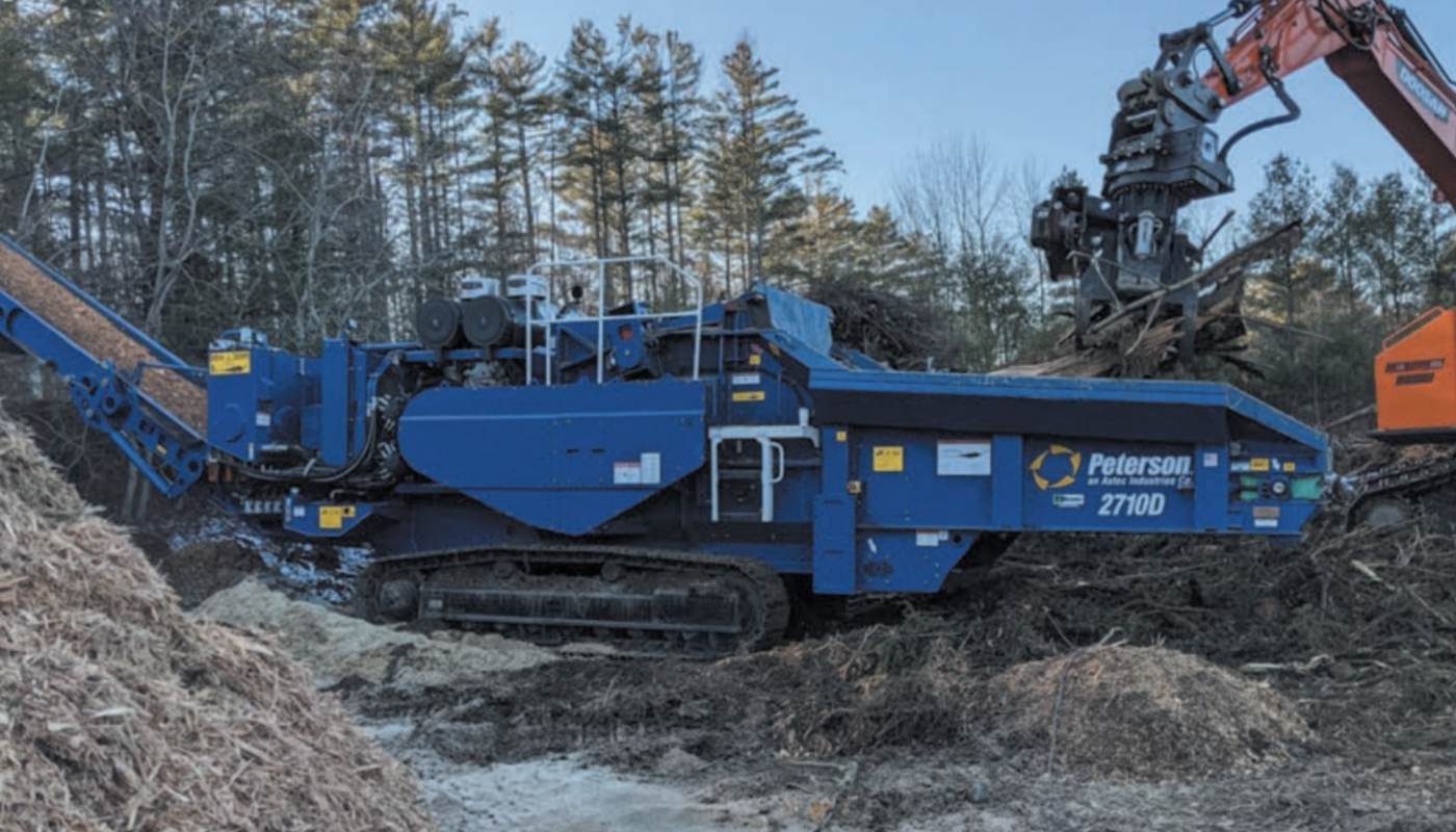 Hunter Kaltsas invested in this Peterson 2710D track horizontal grinder for his business. He changed from chipping to grinding for several reasons. The shift enables him to process unmarketable wood material into mulch and eliminates burning.